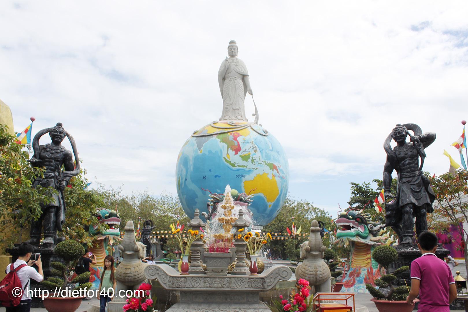 仏教がテーマになったテーマパーク「スイティエン公園」